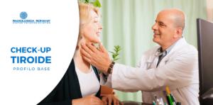 dottore visita tiroide paziente