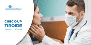dottore visita tiroide della paziente